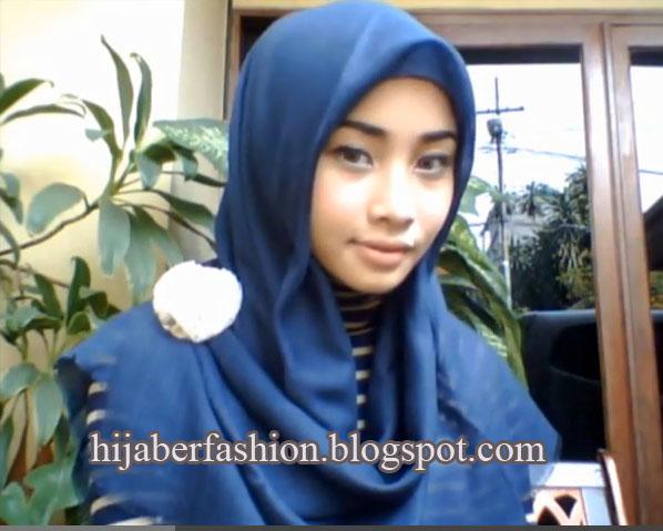 tutorial-hijab-Segi-empat-yang-praktis-3.jpg