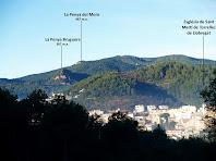Vistes de la Penya Bruguera i la Penya del Moro sobre Torrelles de Llobregat