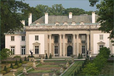 #10 Is The White House In Washington D.C. . Built From 1792  1800 And  Renovated And Restored Countless Times, The Home Holds 55,000 Square Feet.