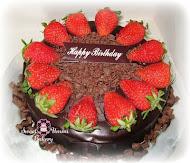 Kek Coklat Moist (strawberry)