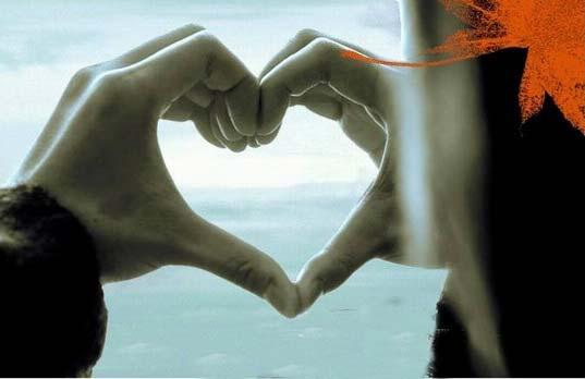 imagen de corazón con la mano