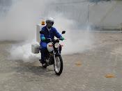 O agente Ferreira em apoio a campanha contra a dengue