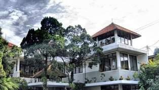 <b>hotel-gegerkalong-asri</b>
