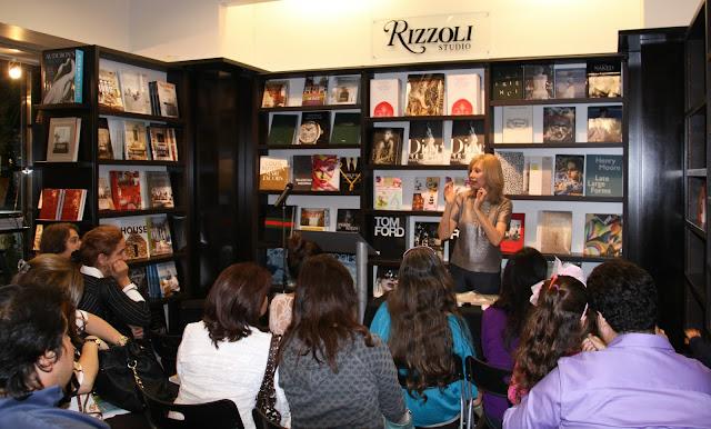 Cupcakes, Cookies & Macarons de Alta Costura presentación en Books & Books Miami