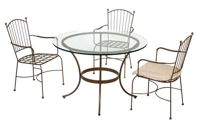 Muebles de forja conjuntos de mesa y sillas para exterior for Mesas y sillas de forja