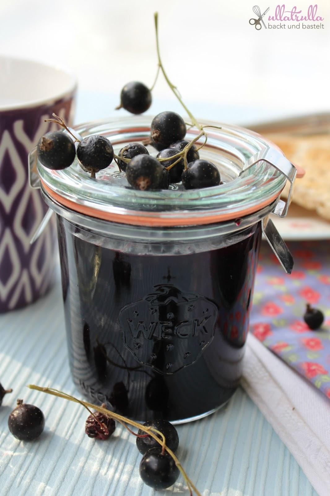 ullatrulla backt und bastelt schwarze johannisbeer marmelade wenn ich gro bin m chte ich. Black Bedroom Furniture Sets. Home Design Ideas