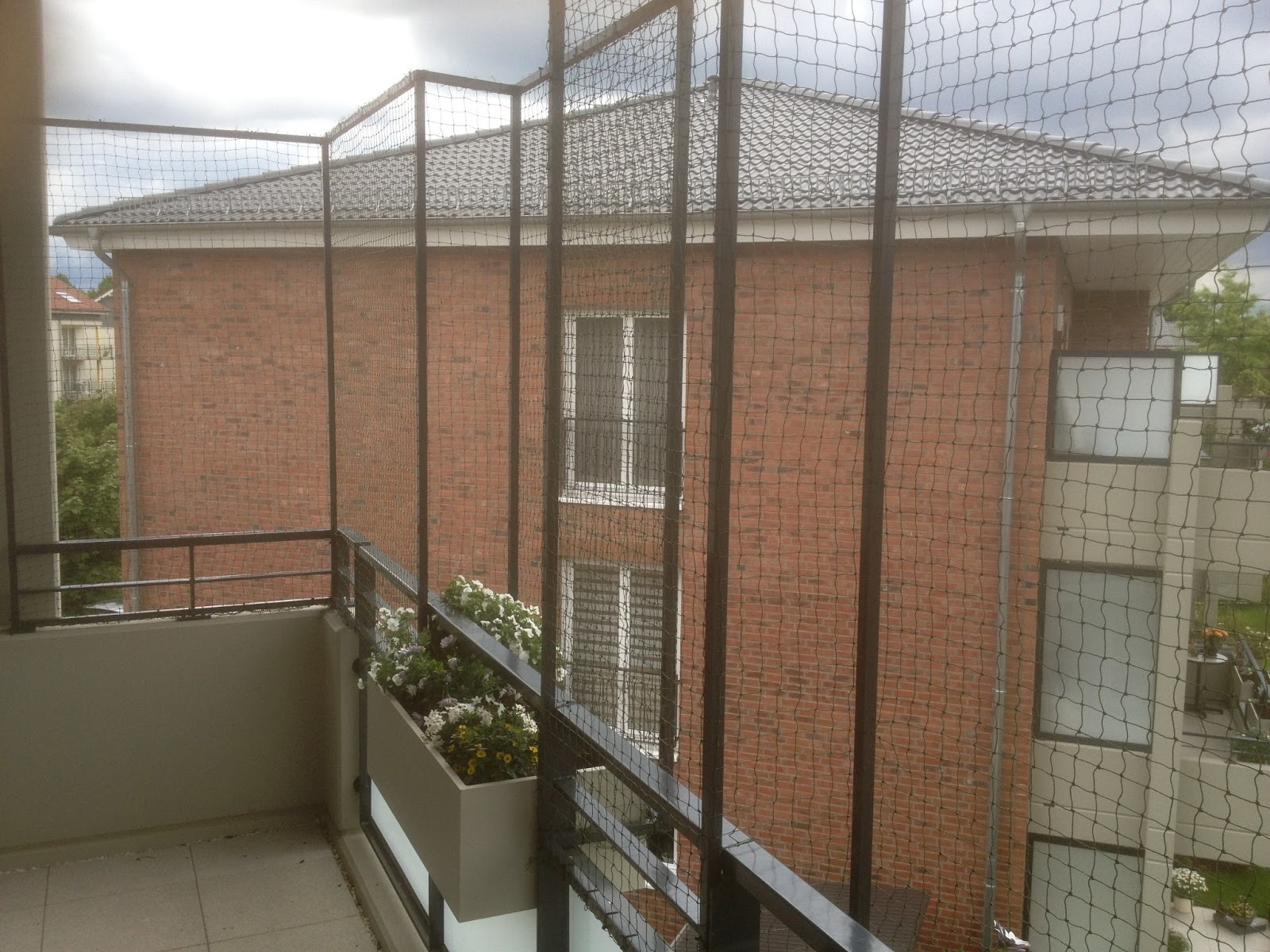 Balkon Befestigen Ohne Bohren : F?r ein katzennetz ohne bohren balkon ...