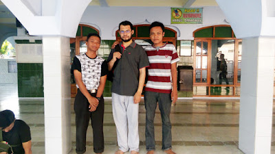 Foto bersama dengan salah seorang member dari Mesir