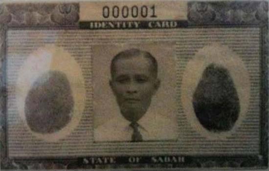 Inilah rakyat Malaysia yang pertama yang memiliki kad pengenalan