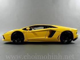 Xe mô hình tĩnh Lamborghini Aventador Yellow hiệu bBurago tỉ lệ 1:18