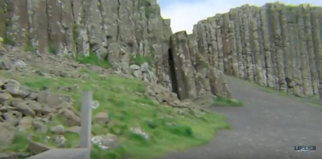 Ιρλανδία: Τουρίστας κατέγραψε Πύλη που ανοίγει και κλείνει σε βράχια. Ποια όντα κατοικούν εκεί;
