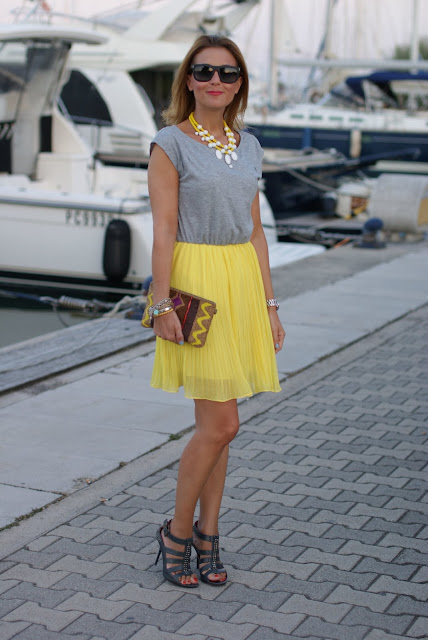 Stradivarius clutch, Woakao dress, Cesare Paciotti sandals, Fashion and Cookies, fashion blog