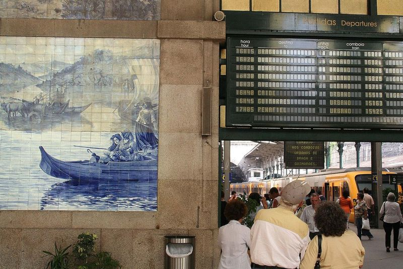 Azulejo na dworcu kolejowym.