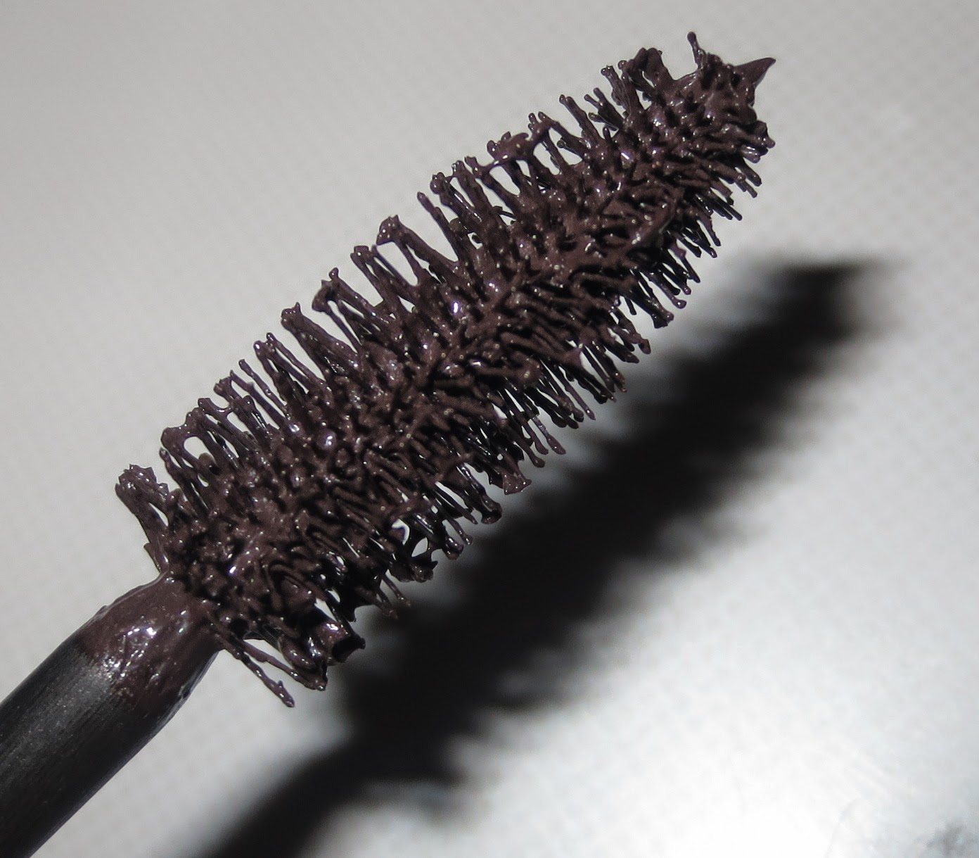 Almay Intense i-color Volumizing Mascara in Mocha wand