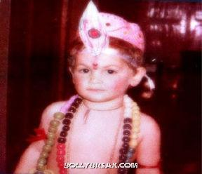Neil dressed as lord krishna - (4) -  Neil Nitin Mukesh childhood pics