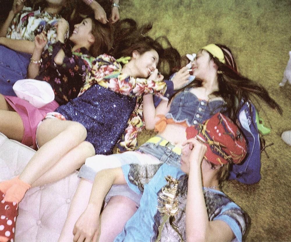KpopEnEspanol: F(x) -Electric Shock Mini Album Scans F(x) Electric Shock Album Cover