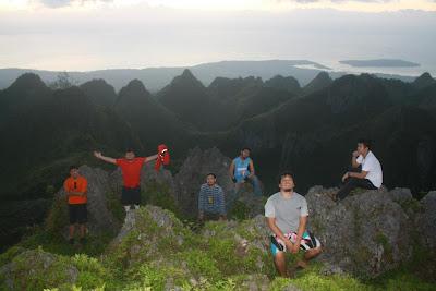 Trekking to Osmeña Peak