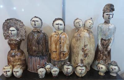 artesã; artesão; artista plástico; Henriqueta Targino; cerâmica; artesanato; feira; arte popular; lazer.