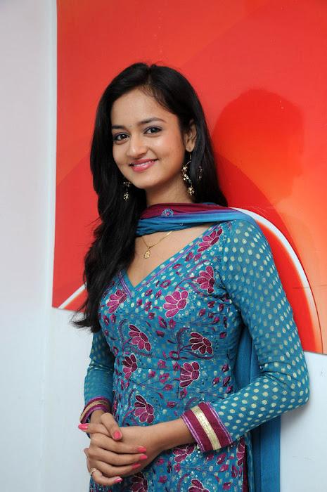 shanvi actress pics