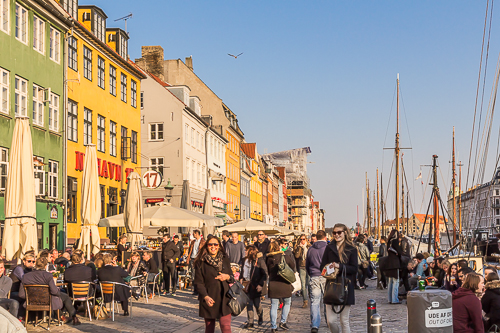 Amalie loves Denmark Städtereise Kopenhagen mit Kindern Nyhavn