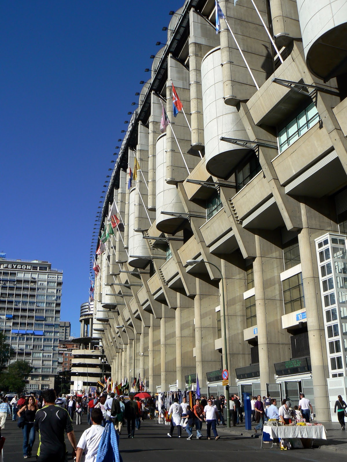Que pe a madridista for Estadio bernabeu puerta 0