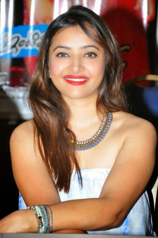 Shweta Basu Prasad latest Cute Hot Spicy Photos Gallery At Intelligent Idiots Pressmeet
