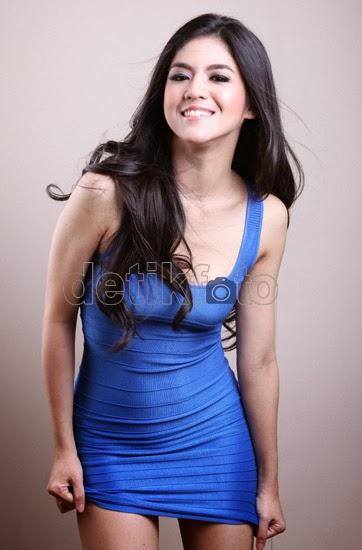 Foto Seksi Artis Cantik Putri Una ( DJ UNA Dahsyat )