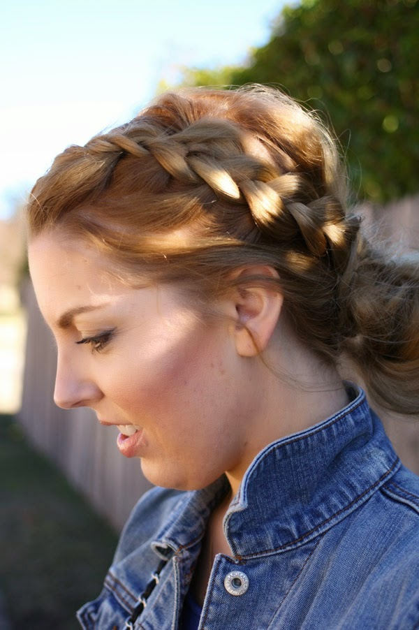 braided_messy_bun
