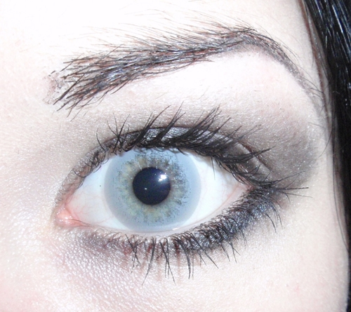 Contact Lenses That Enlarge Eyes But Also Look Natural