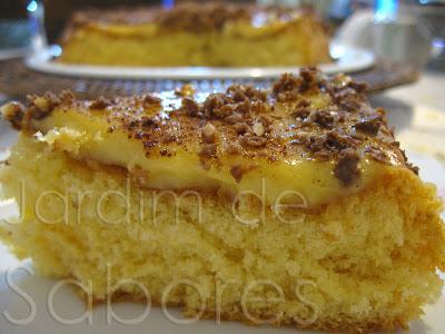 Pão-de-Ló com Creme de Ovo (Bolo de Aniversário)