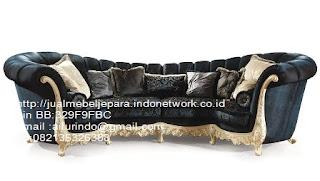 sofa klasik jepara jual mebel jepara Mebel furniture klasik jepara jual set sofa tamu ukir sofa tamu jati sofa tamu antik sofa jepara sofa tamu duco jepara furniture jati klasik jepara SFTM-33058 SOFA KLASIK