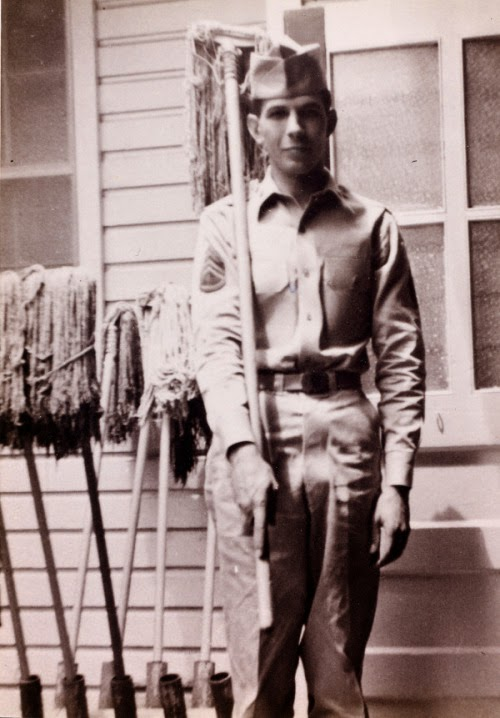 http://historicaltimes.tumblr.com/post/112425071747/sgt-leonard-nimoy-in-the-us-army-1953-1955#disqus_thread