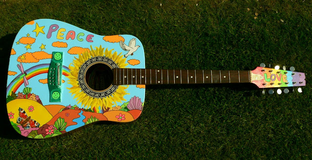painted guitar ☺