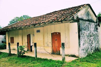 Una casa abandonada muy bonita