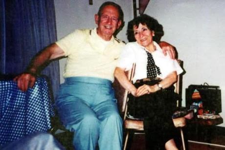 Kisah Benar - Setia Menunggu Kubur Isteri Selama 20 Tahun
