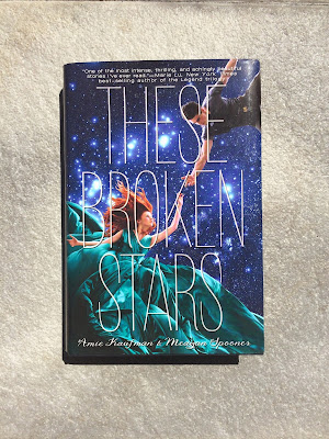 Rezension These Broken Stars