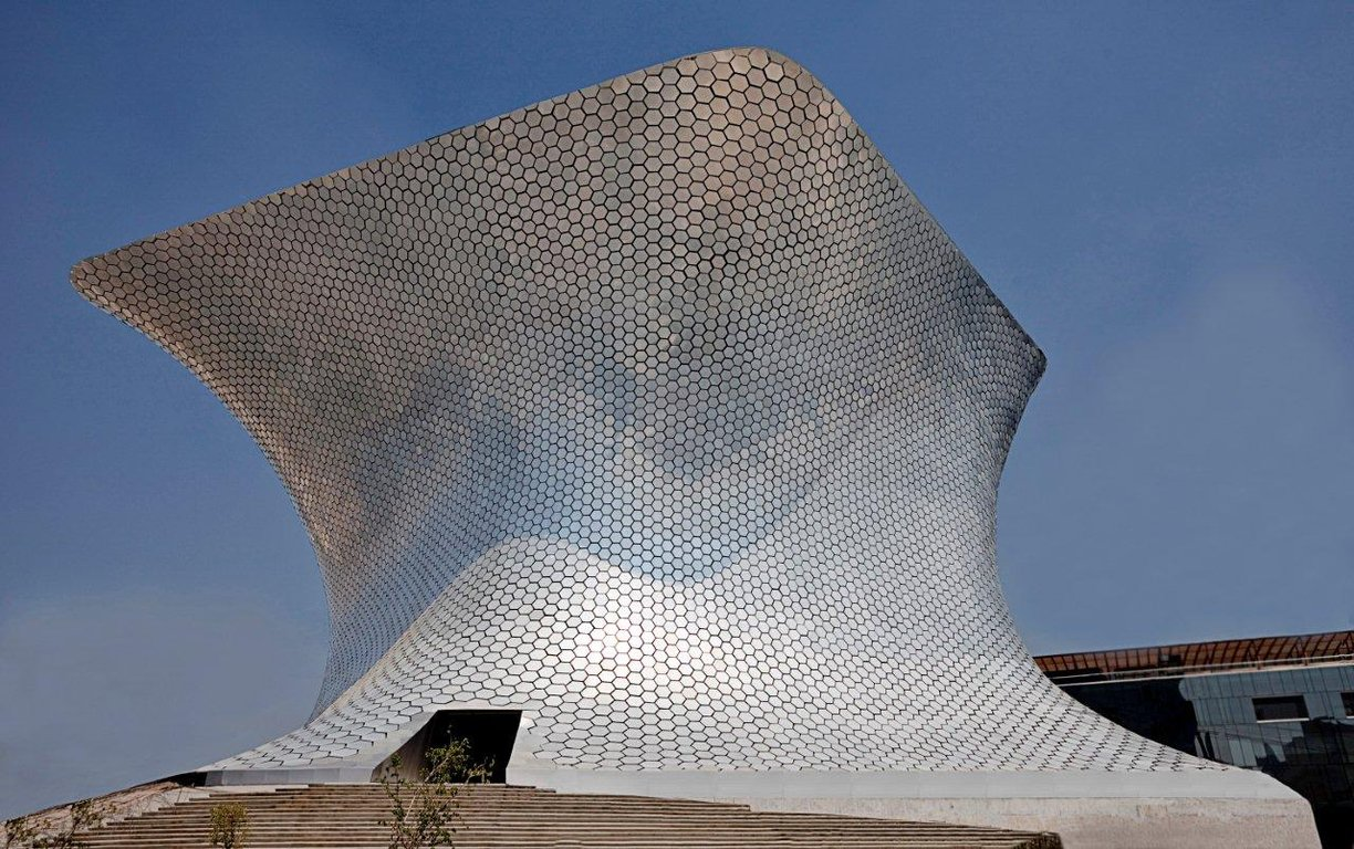 Architecture art code facade soumaya museum in mexico city for Arquitectura mexicana moderna