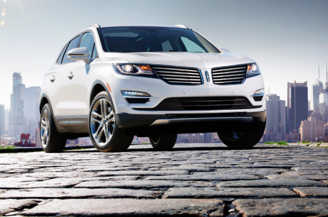 Lincoln Inspired by Fashion Trends for 2015 Lincoln MKC Design