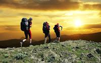 5 Manfaat Kesehatan Dengan Mendaki Gunung