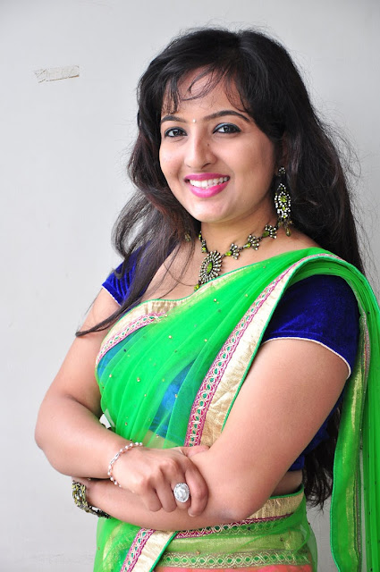 Roshini Dazzling Photo Shoot