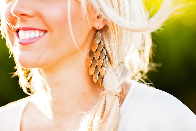 Gold+plated+jewelry,+Savvy+Spice+fashion+blog,+Metallic+accessories,+blond+highlights,+maxi+skirts,+Dale+Janee+Steliga