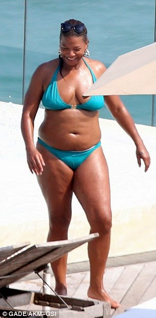 Gay Queen Latifah Shows off her Bikini Bod by the pool (Smash or Pass) Queen Latifah And Alicia Keys