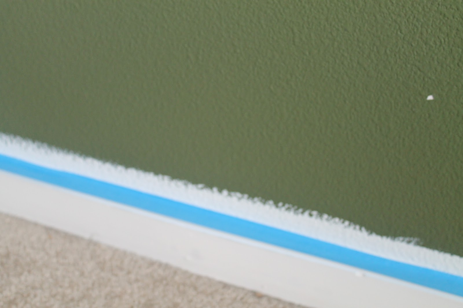Seeking eco chic clean paint lines for Painting lines on walls