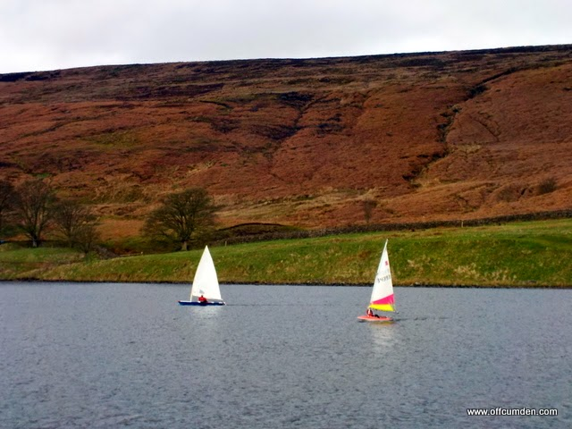 Sailing on the reservoir