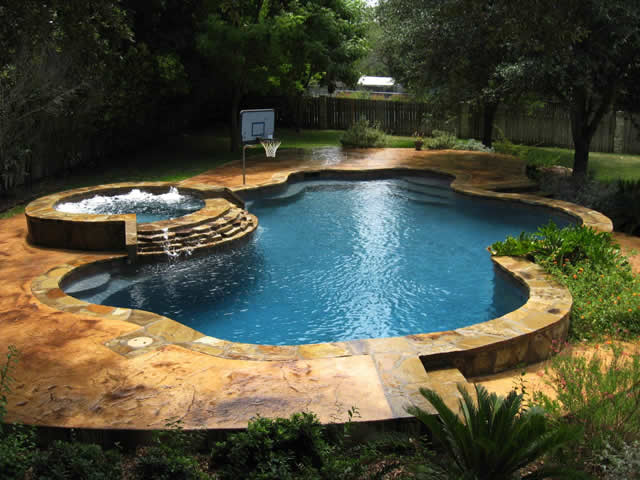 Pool trends stylish new trends for your pool for Gunite pool design ideas