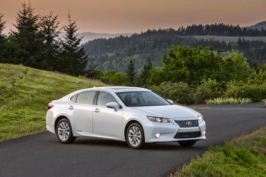 Lexus hybrid sedan a luxury thrill, ditto the brakes