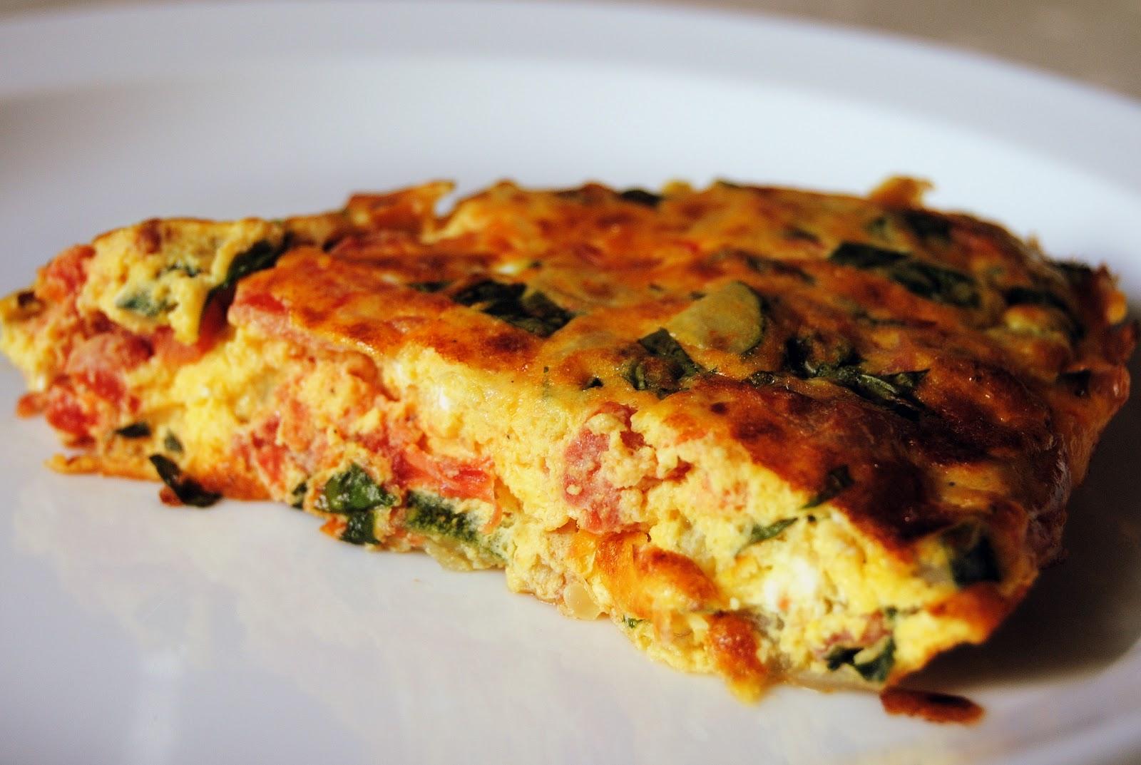 Frittata er en italiensk omelett med mange forskjellige ingredienser ...