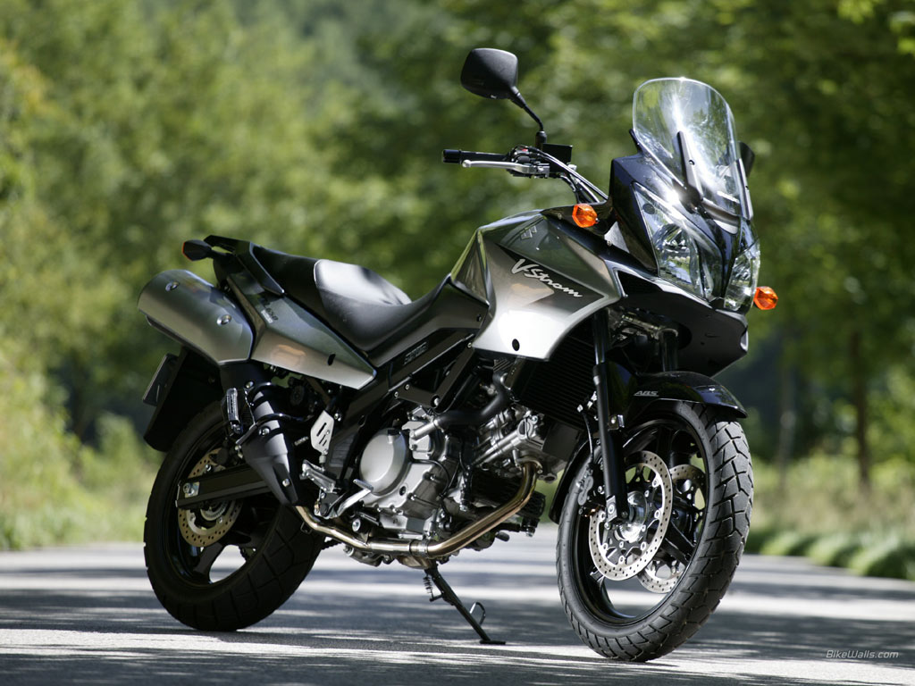 motorcycles suzuki recently launched their new v strom 1000. Black Bedroom Furniture Sets. Home Design Ideas