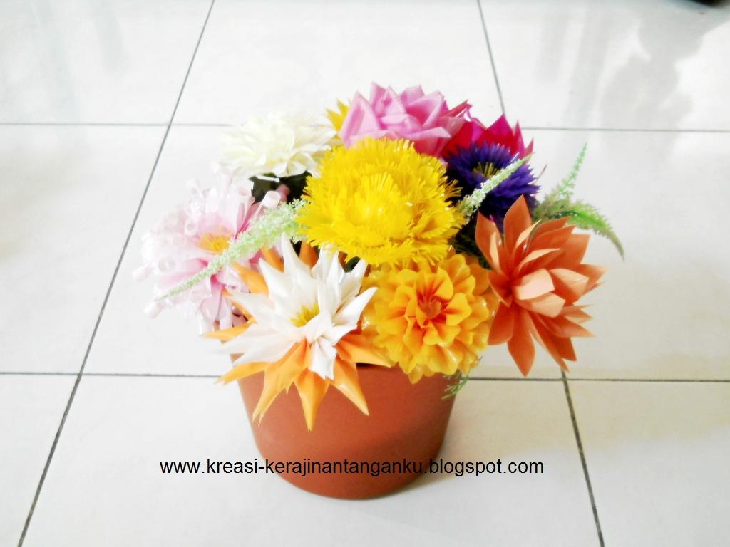 Alat-alat untuk membuat Bunga Sedotan