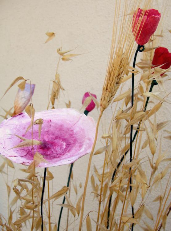 Matrimonio eco vegan : centrotavola di fiori di carta , rosso arancio fatti a mano